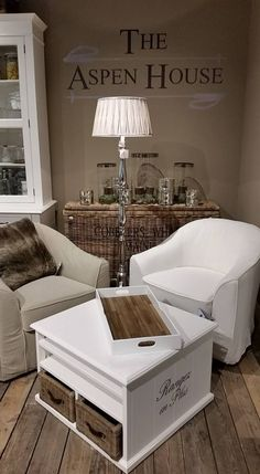 My favorite stores (home edition) Cottage Shabby Chic, Basement Inspiration, Front Rooms, Best Interior Design, Interior Exterior, Aspen, Home And Living, Decorating Your Home, Cool Ideas