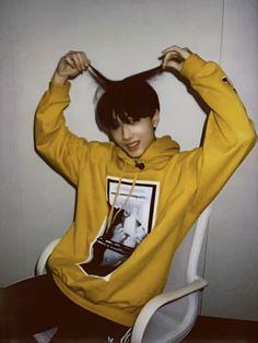"""""""thread of jisung's huya polaroids 💛"""" Taeyong, Jaehyun, Nct Dream, Nct 127, Park Ji-sung, Park Jisung Nct, Andy Park, Haha, Na Jaemin"""