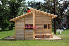 Houses made out of shipping pallets!