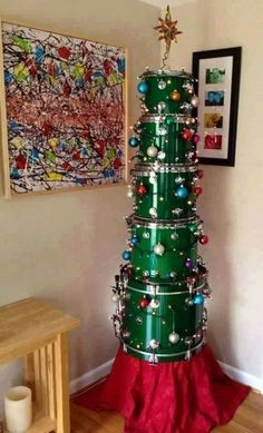 A drum tree! Work Christmas Party Ideas, Unique Christmas Trees, Christmas Tree Themes, Holiday Fun, Holiday Decor, Holiday Ideas, Xmas Trees, Christmas Stuff, Trumpet Sheet Music