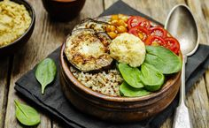 Get your inspiration from these 10 vegetarian recipes of Buddha Bowl … - Recipes Easy & Healthy Easy Healthy Recipes, Healthy Cooking, Vegetarian Recipes, Easy Meals, Buddha Bowl Vegetarian, Hummus, Potato Salad, Tasty, Ethnic Recipes