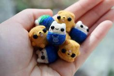 Commissioned by someone on Etsy ♥ I love making miniatures so much. They always end up cuter than my other dolls due to their size >___< It . Felted Mini Finn And Jake Felting Tutorials, Felt Dolls, Candy Corn, Totoro, Plushies, Needle Felting, Fun Crafts, Pokemon, Artisan