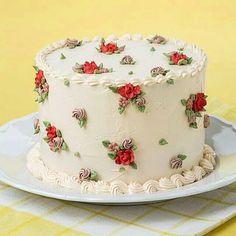 """8,608 Likes, 23 Comments - por Any de Lucca @belalu.bolos (@cakes_ideas_videos) on Instagram: """"Os bolos com decoração em bicos de confeitar pequenos ganham o meu coração!! Eu amos os bicos…"""""""