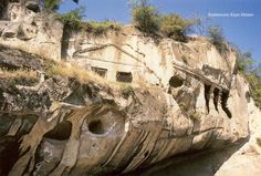 Evkaya Mezarları / Rock tomb-houses in Kastamonu-Turkey Ancient Ruins, Homeland, Archaeology, Beautiful World, Mount Rushmore, Places To Go, Houses, Mountains, Travel