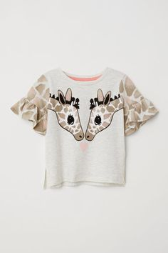Shop the latest ASOS Unicorn In Space Long Sleeve Tee & Short Pajama Set trends with ASOS! Fashion Kids, Girls Fashion Clothes, Toddler Fashion, Fashion Games, Fashion Dresses, Womens Fashion, Burberry Baby Girl, Kids Clothing Brands, Children Clothing