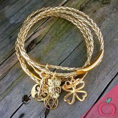 Conjuntinhos de pulseira em couro sintético para você arrasar por aí!!! Encomende já o seu! #pulseiras #pulseirismo #acessórios #bijouterias #bijuterias