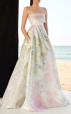 Get inspired and discover Alex Perry trunkshow! Shop the latest Alex Perry collection at Moda Operandi. Alex Perry, Elegant Dresses, Pretty Dresses, Couture Dresses, Fashion Dresses, Designer Dress Hire, Evening Dresses, Prom Dresses, Ring Verlobung