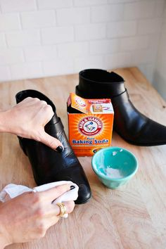 How To Clean and Care For Your Leather Boots in Winter - A Beautiful Mess - How To Clean and Care For Your Leather Boots in Winter (click through for tips) - Deep Cleaning Tips, House Cleaning Tips, Cleaning Hacks, Cleaning Shoes, Cleaning Solutions, Homemade Toilet Cleaner, Cleaning Painted Walls, Glass Cooktop, Clean Dishwasher