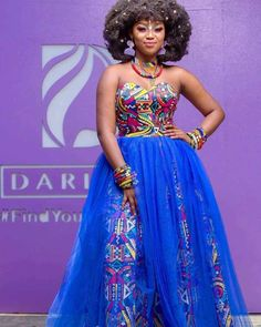 In Nigeria, and other African countries that are into LATEST TRADITIONAL AFRICAN , it is slowly becoming a trending habits for women African Bridesmaid Dresses, African Wedding Attire, African Wear Dresses, Latest African Fashion Dresses, African Print Fashion, African Outfits, African Traditional Wear, African Traditional Wedding Dress, All White Party Outfits