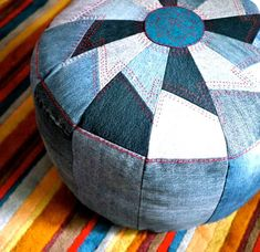 Sewing Ideas DIY Sewing Projects and Ideas for Old Jeans - DIY Pouf from Old Denim - These upcycled projects from old jeans are awesome DIY crafts like kitchen craft projects, DIY home decor Sewing Hacks, Sewing Tutorials, Sewing Projects, Diy Projects, Sewing Ideas, Upcycling Projects, Sewing Tips, Recycling Ideas, Artisanats Denim