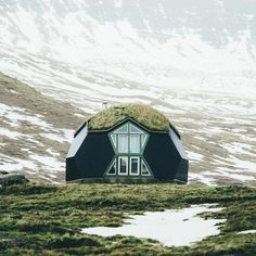 The Kvivik Igloo on the Faroe Islands. Yes, you can rent this out! (but the construction is a dome, not igloo/illu = they are built only of hard snow) Getaway Cabins, Dome House, Igloo House, Cozy Cabin, Faroe Islands, Photo Instagram, Travel Goals, Oh The Places You'll Go, Glamping