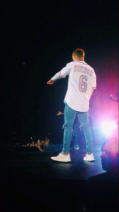 Justin Bieber Outfits, Justin Bieber Style, Pattie Mallette, St Joseph's Hospital, Justin Bieber Wallpaper, Tumblr Boys, New Print, Celebs, Celebrities