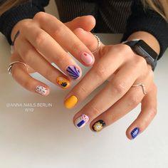 nail art nailart nail designs nail makeup hansen magical nail makeup brush nail designs airbrush makeup ten nail & makeup studio inc nail makeup makeup design Diy Nails, Cute Nails, Pretty Nails, Minimalist Nails, Instagram Nails, Chrome Nails, Nagel Gel, Stylish Nails, Perfect Nails