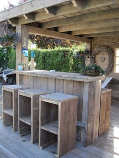 Rustic Outdoor Bar, Outdoor Kitchen Bars, Pool Bar, Patio Bar, Outdoor Grill Station, Bbq Bar, Bar Shed, Back Garden Design, Porche