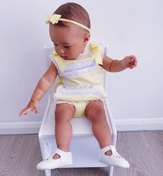 """Keri Nadeen Else on Instagram: """"Looking lush in lemon on Friday! 🍋 Do you have any nice plans for the weekend? 💛  Outfit - @babiesinessex (gifted) Bow -…"""""""