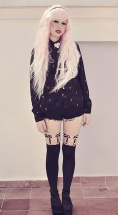 Rose et Rouge: black cross blouse, black mini shorts, black heart garters and Rhapsody in pink wig - By Andrea Ladstätter - http://ninjacosmico.com/25-pastel-goth-looks-inspire/2/