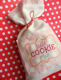 cutest little embroidered cookie mix set Make bags like these that would fit over the canister set, etc. Cutie-fy the kitchen. Cross Stitch Embroidery, Embroidery Patterns, Hand Embroidery, Machine Embroidery, Cross Stitching, Fabric Crafts, Sewing Crafts, Sewing Projects, Homemade Gifts