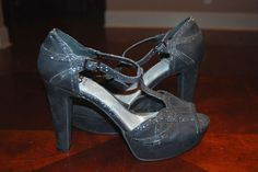 Gianni Bini Grey Sparkle Ankle Tie Pump size 9 #GIANNIBiNI #PumpsClassics