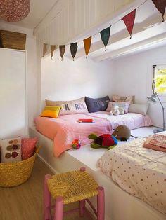 Love the platform & mattress for a kids room..FuN