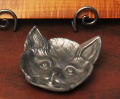 Furnishings & Accessories for the American Country Home American Country, Cat Face, Home And Living, Pewter, Colonial, Tray, Dishes, Cats, Accessories