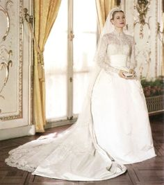 Grace Kelly's elegant wedding dress