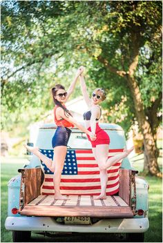 Happy Fourth of July!! Of course I had to save this to post for the 4th, because we rocked the red, white and blue for this one!!  Every styled shoot is so much fun and this one was no exception. Most of the time, the preparation is equally as fun as the actual photo shoot! This session was no…