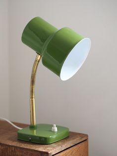 SATEENKAARIA JA SERPENTIINIÄ: KATSOKAA KAUNOTARTA (Valinte 24174) Desk Lamp, Table Lamp, Retro Furniture, Old Toys, Interiores Design, Lamp Light, Greenery, Nostalgia, Old Things