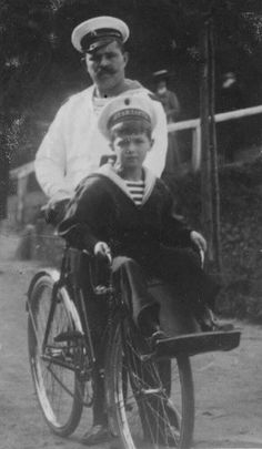 Tsarevich Alexei with his nanny Derevenko -op Pics like this probably would not have been made even slightly public.