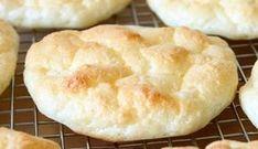 Le cloud bread : un petit pain sans glucides ni gluten Cloud Bread, Gluten Free Recipes, Vegan Recipes, Drink Recipes, Pan Bread, Healthy Eating Tips, Healthy Nutrition, Sans Gluten, Light Recipes