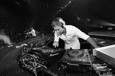 Armin van Buuren Love Armin? Visit http://trancelife.us to read our latest ASOT reviews.