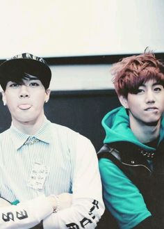 I love Markson, my second ultimate OTP. BUT MARKS LIP BITE THOUGH. AGHHHHHH