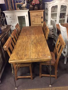 Old Oak wood Dining Table.. Oz-Styled ..