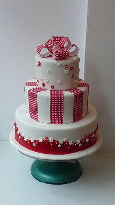 1950's retro gingham ribbon wedding cake by CAKE Amsterdam - Cakes by ZOBOT, via Flickr