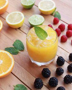 Granizado de Naranja [Receta en BIO]  Nos encanta este cóctel elaborado con vodka hielo picado agua con gas y mermelada de naranja elaborada con kuzu -almidón de la raíz de la planta Pueraria lobata sin gluten ni aporte de color ni sabor a la elaboración. El kuzu es uno de los productos de #MugaritzExperiences y es comercializado por @GuzmanGastronomia. #gastronomía #Mugaritz #cocteles #cocktails #kuzu @mugaritz #food #foodie