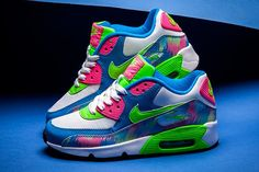 Nike air max 90 blue electric green hyper pink trainers make you eye-catching due to the colorful appearance. Nike Air Rift, Nike Air Max, Air Max 90, Nike Air Force, 90s Sneakers, Air Max Sneakers, Sneakers Fashion, Pink Sneakers, Neon Nike Shoes