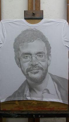 Aerografia sobre camiseta Renato Russo...fase inicial