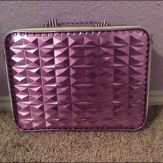 Chic Laptop Case Cute laptop case, not in use anymore. Perfect condition. Bags Laptop Bags