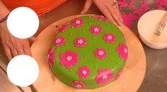 NTR #Thuisacademie: Taart versieren: Taart versieren #taartdecoratie Cake Decorating, Birthday Cake, Desserts, Diy, Food, Tailgate Desserts, Deserts, Bricolage, Birthday Cakes