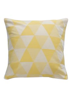 The Euro pillowcase front features yarn dyed cotton with piping, and the reverse consists of 250 thread count cotton printed with asubtle diamond motif.