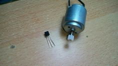 Drive a DC motor with a transistor and arduino