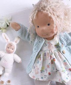 Taisiya Stepina sur Instagram: Not enough photos for her 🌸 #вальдорфскаякукла #textiledoll #waldorfinspired #waldorfdoll #waldorfpuppe #customdoll #softdoll#slowdoll… Doll Crafts, Diy Doll, Fabric Dolls, Paper Dolls, Doll Toys, Baby Dolls, Little Pet Shop Toys, Waldorf Toys, Doll Shop