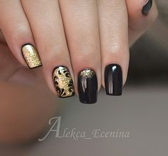 Discover new and inspirational nail art for your short nail designs. Gold Gel Nails, Black Gold Nails, Gold Nail Art, Nail Manicure, Acrylic Nails, Short Nail Designs, Nail Art Designs, Hot Nails, Hair And Nails