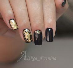 Discover new and inspirational nail art for your short nail designs. Gold Gel Nails, Black Gold Nails, Gold Nail Art, New Nail Art, Nail Manicure, Acrylic Nails, Fabulous Nails, Perfect Nails, Short Nail Designs
