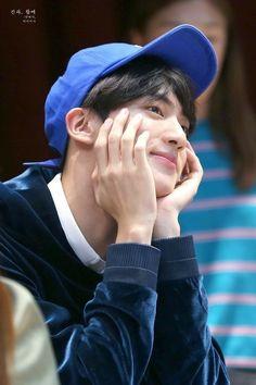 Jin so handsome Bts Jin, Jimin, Jin Kim, Bts Bangtan Boy, Seokjin, Kim Namjoon, Jung Hoseok, Park Ji Min, K Pop