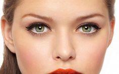 ¡Tip de make-up! ¿Querés agrandar tus ojos? Aquí un secretito infalible: aplicá lápiz delineador blanco dentro de la línea de delineado del ojo inferior. Con este sencillo truquito conseguirás agrandar el ojo, obteniendo así un efecto óptico de ensanchamiento. ¡Probá!