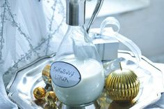 Kokosový likér | Apetitonline.cz Smoothies, Light Bulb, Food And Drink, Favorite Recipes, Drinks, Christmas, Home Decor, Syrup, Alcohol