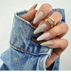 Semi-permanent varnish, false nails, patches: which manicure to choose? - My Nails Glam Nails, Matte Nails, Glitter Nails, Fun Nails, Nail Manicure, Beauty Nails, Hair Beauty, Perfect Nails, Gorgeous Nails