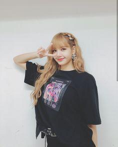 Lisa Blackpink [lalalalisa_m] Kim Jennie, Jenny Kim, Kpop Girl Groups, Korean Girl Groups, Kpop Girls, Blackpink Lisa, Lisa Chan, Forever Young, Blackpink Icons