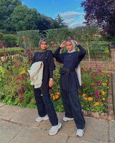 Modest Fashion Hijab, Modern Hijab Fashion, Street Hijab Fashion, Modesty Fashion, Fashion Mode, Muslim Fashion, Hijab Casual, Outfit Look, Mode Hijab