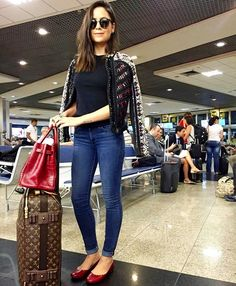 New travel plane outfit shoes Ideas Airport Chic, Airport Style, Casual Chic, Airport Travel Outfits, Thanksgiving Outfit Women, Plane Outfit, Chic Outfits, Fashion Outfits, Look Fashion